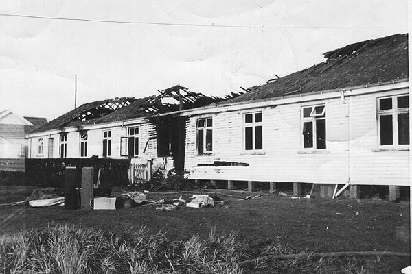 Fire at the Awarua Radio ZLB hostel in 1967