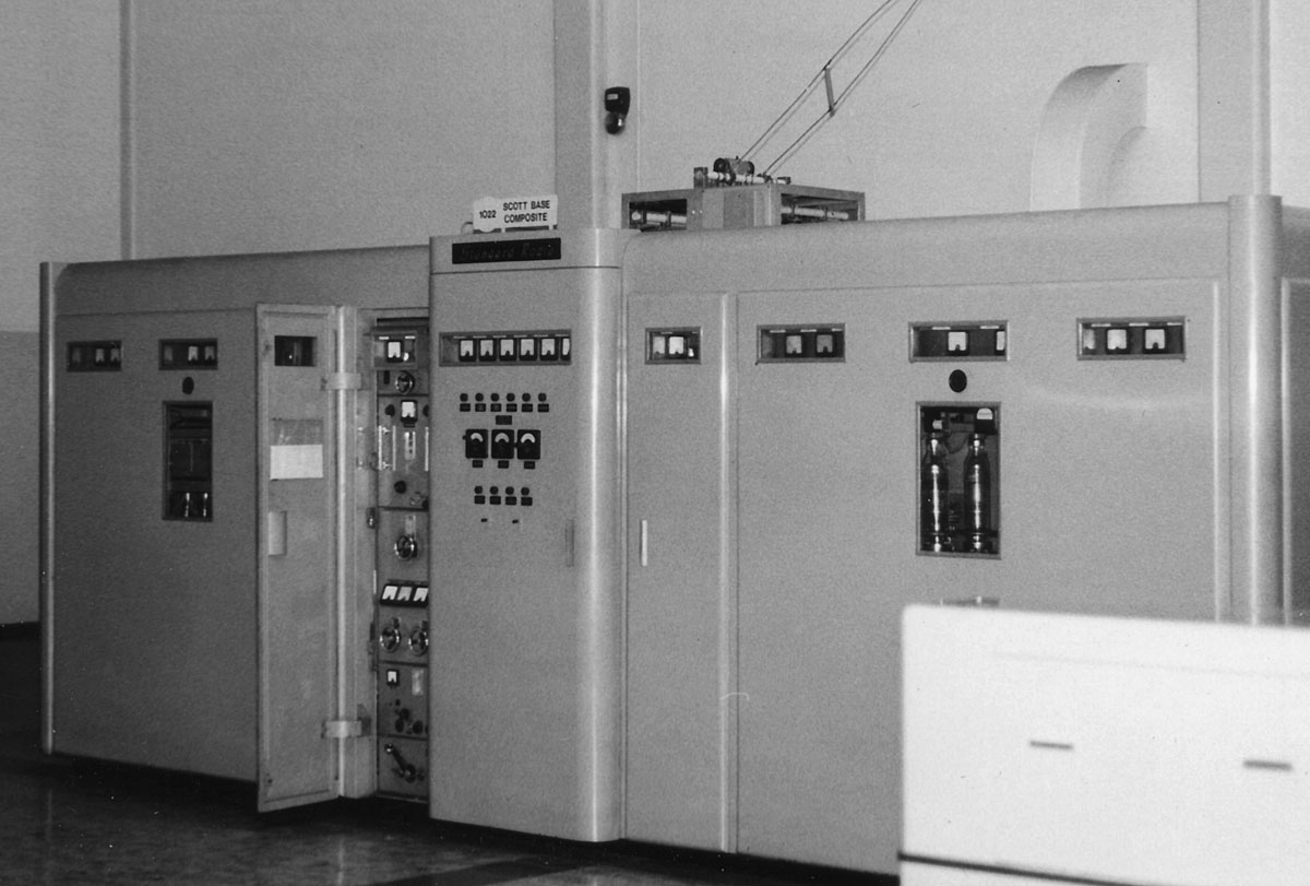 STC 40kW PEP transmitter (1022) used for Scott Base communications.