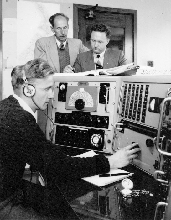 Frequency measurement at Makara Radio. Date unknown.