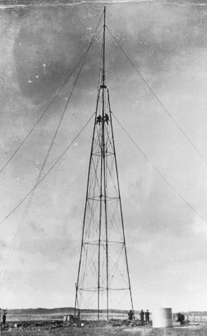 Mast at Chathams Islands wireless station in 1913