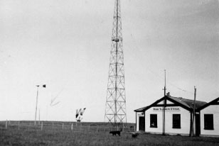 1913 photo of Chatham Islands wireless station