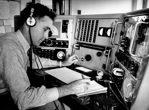 George King at the frequency measuring console, Makara Radio.