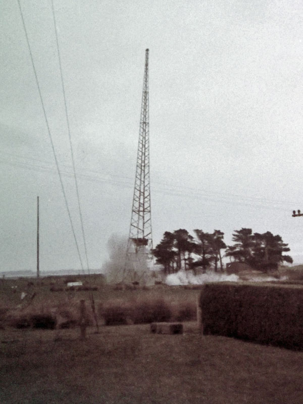 1976 tower demolition at Awarua Radio ZLB