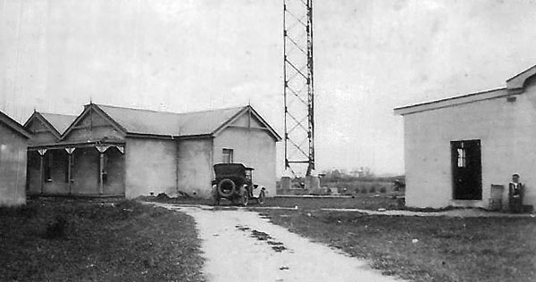 Operating building at Awanui wireless station in the 1920s