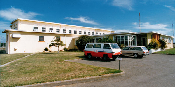 Northeastern view of the 15,000 sq ft Himatangi Radio building c1980