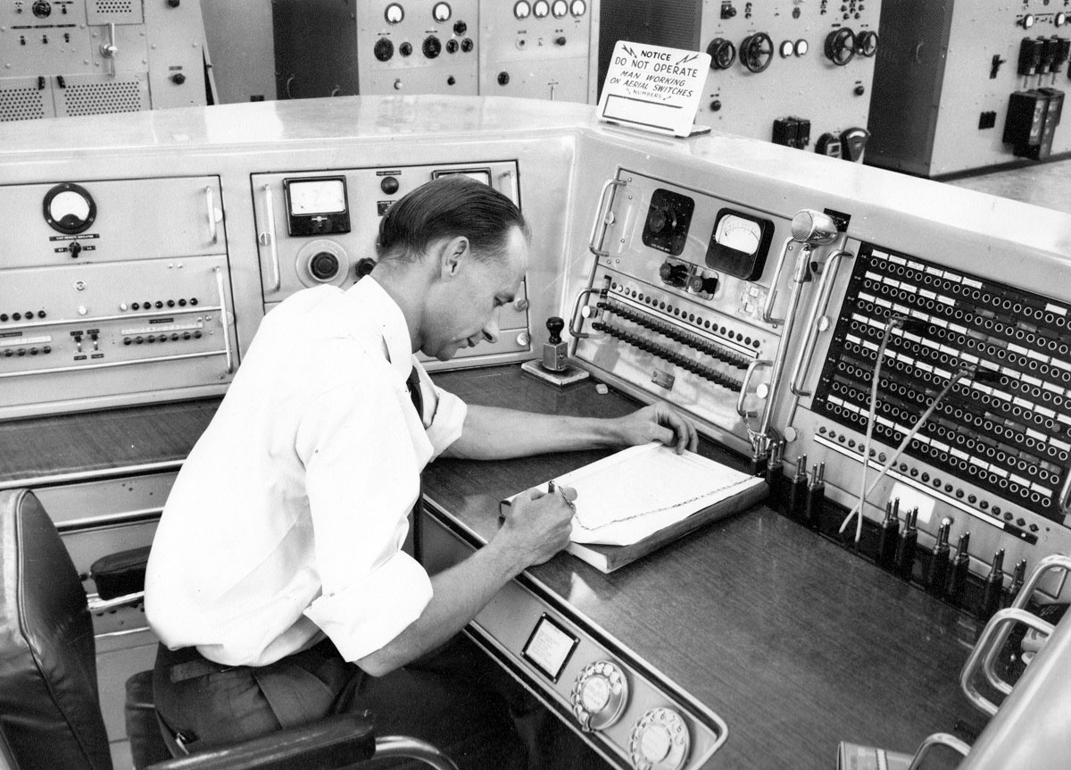 Main control console at Himatangi Radio. Date unknown.