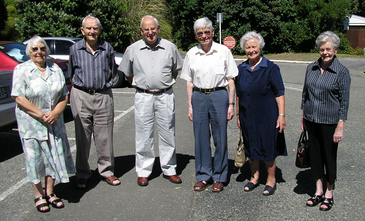 20 February 2005: Ete Deverall, Jack Ryan, Joe Collett, Bill Deverall, Zita Ryan and Maureen Collett at a quarterly lunch for radio colleagues at the Fisherman's Table in Paekakariki