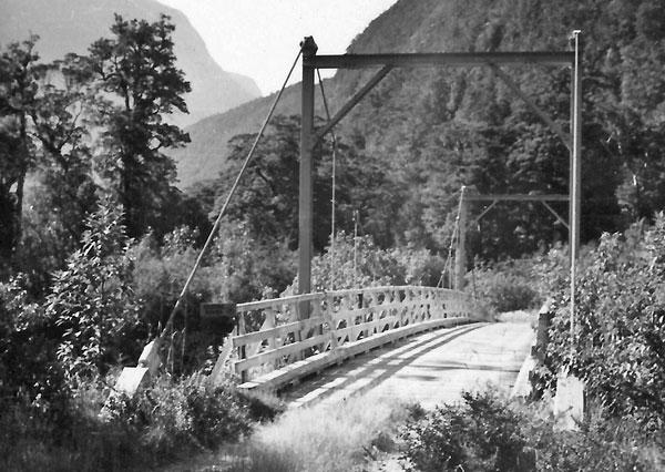 Beautiful views on the road to Milford Sound c1952