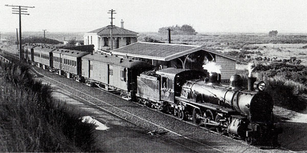 The Invercargill-Bluff train at Clifton station in 1956