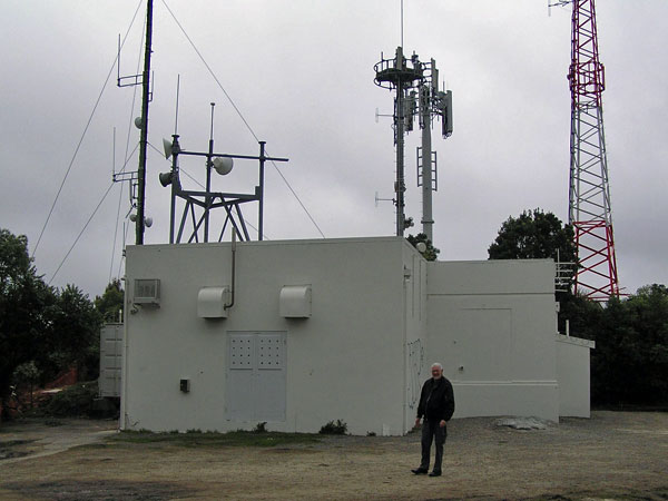 Former technician Peter Sayers at the ZLW transmitter building, 25 Aug 2017