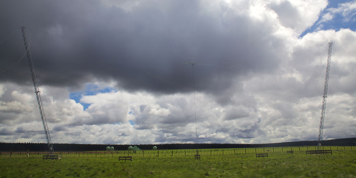 One of two broadband dipole antennas at the Taupo Radio ZLM receive site, Oct 2016