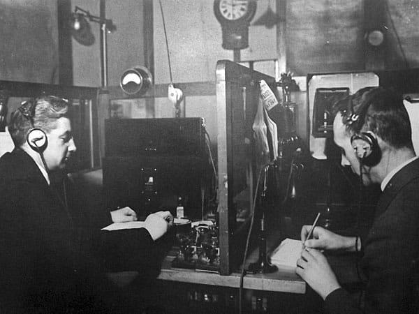 Operators at Wellington Radio ZLW in 1934