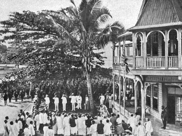 Raising the Union Jack in Apia, 1914
