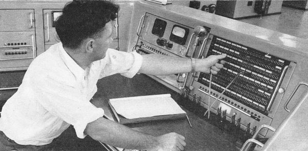Control console, Himatangi Radio