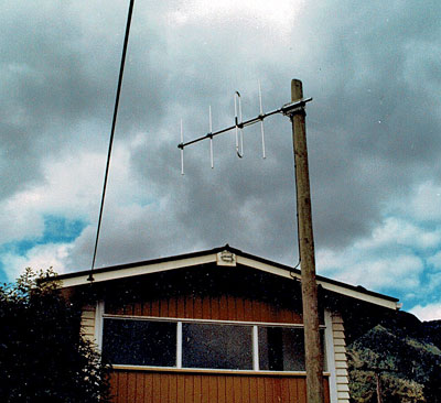 Country set antenna at the Hari Hari exchange