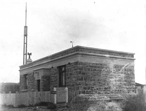 station on Tinakori Hill in 1912.