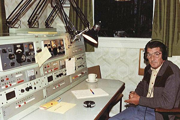 Bert McKechnie at Awarua Radio ZLB