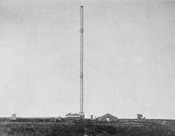 Awarua Radio under construction, as pictured in the Auckland Weekly News, 29 May 1913. Photo: Muir & Moodie