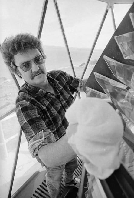 Baring Head light keeper Steve O'Neill at work, 25 May 1988