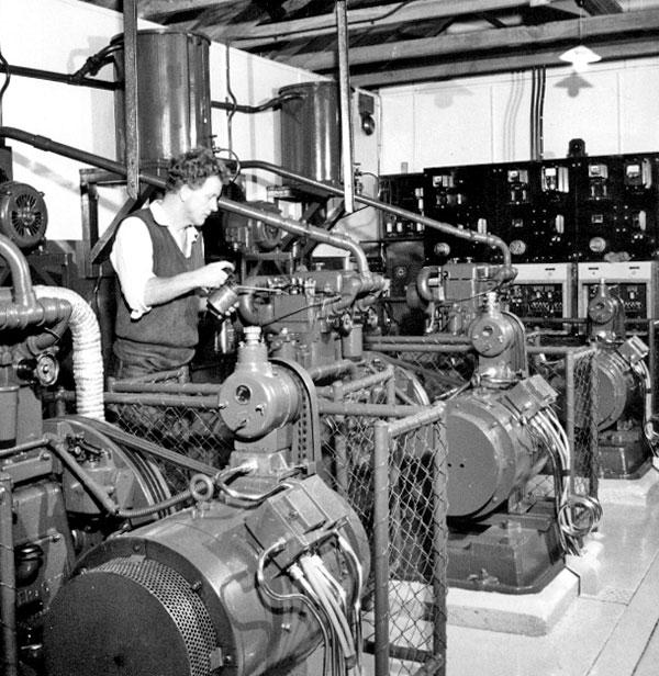 Engine generator set for lighthouse
