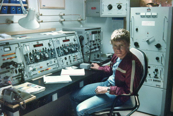 Tony Graham, an operator at Auckland Radio ZLD, visiting aboard Arahura ZMBS in January 1983