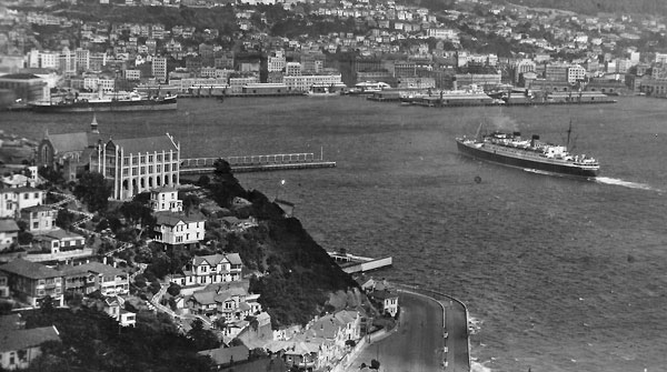 Dominion Monarch approaching her berth in Wellington, date unknown