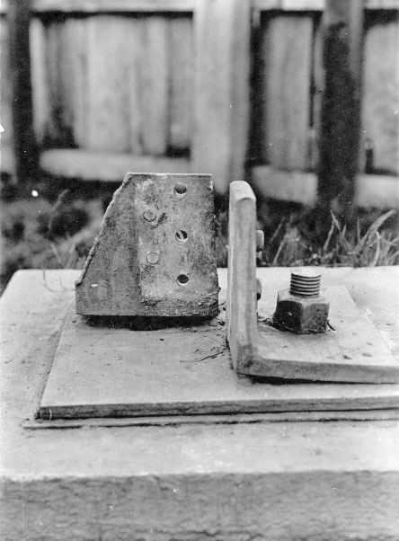 One of the tower leg attachments at Wellington Radio VLW which broke in 1926