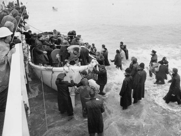 A Wahine lifeboat arrives at the Seatoun jetty