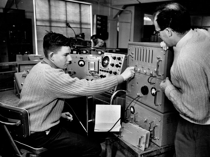 Glen Kingston operating a Beckman frequency counter