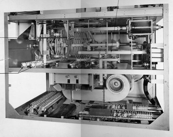 DS 13 transmitter power amplifier coil view