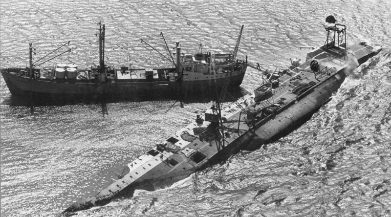 Salvage ship Holmpark with Wahine wreck