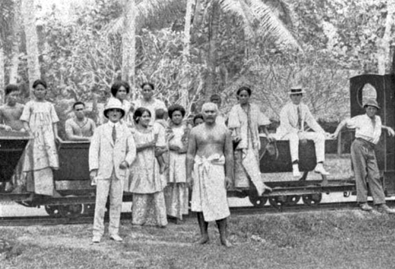 Samoans and Germans with train, c1914